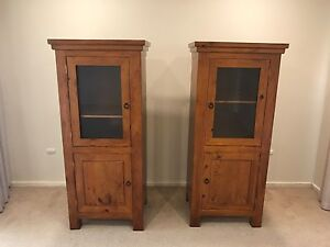 2 x wooden cabinets in excellent condition Grange Charles Sturt Area Preview