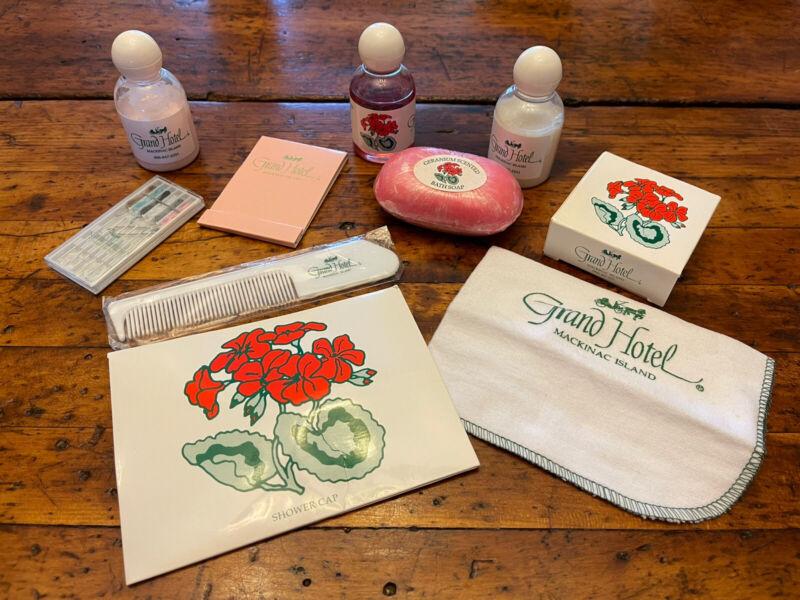 Vtg lot Grand Hotel Toiletries Mackinac Island Green Carriage Logo Soap Comb