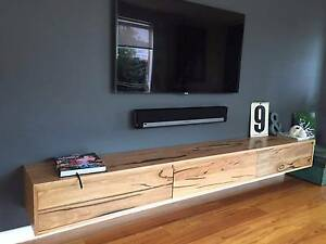 Stunning Wooden TV/Entertainment Unit Hampton Bayside Area Preview