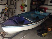 Fibreglass boat Newport Hobsons Bay Area Preview