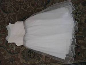 White Dress Bridesmaid/Flowergirl/Holy Communion (Size 8) Marsfield Ryde Area Preview