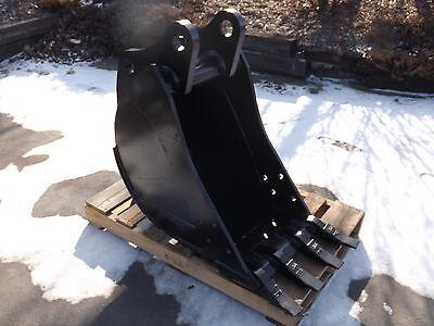 New 18 Backhoe Bucket For A John Deere 310se