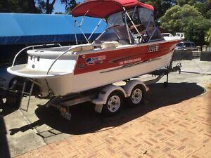 Quintex Bowrider Boat