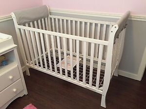 White Delta 3-In-1 Convertible Sleigh Crib w/ 2 Crib Rail Covers