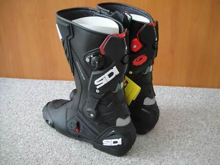 sidi roarr motorcycle boots street/race new size 13, euro 48