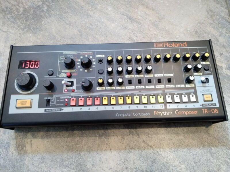Roland TR-08 Rhythm Composer - Roland Boutique Series