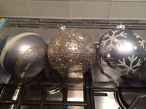 Shatter-resistant Christmas ornaments