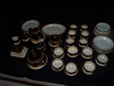 Tuscia Service White Stone  46-teilig    Kaffe und Tafel Geschirr   Top Zustand