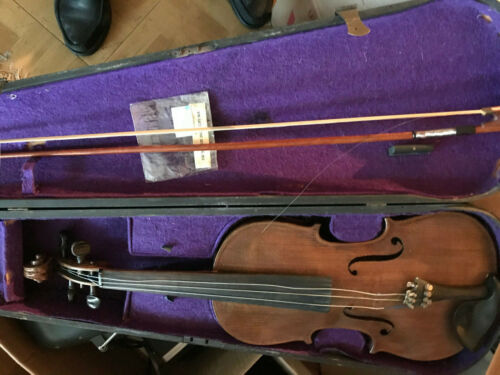 VINTAGE MADE IN GERMANY UNBRANDED VIOLIN WITH HARD CASE
