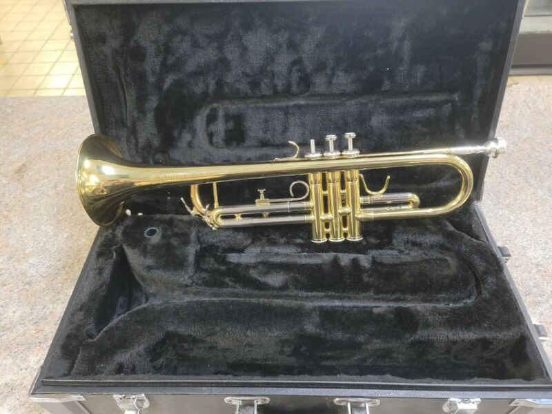 Jupiter Trumpet JTR-700 JTR700 Series Bb W/ Case  - Plays Perfectly!
