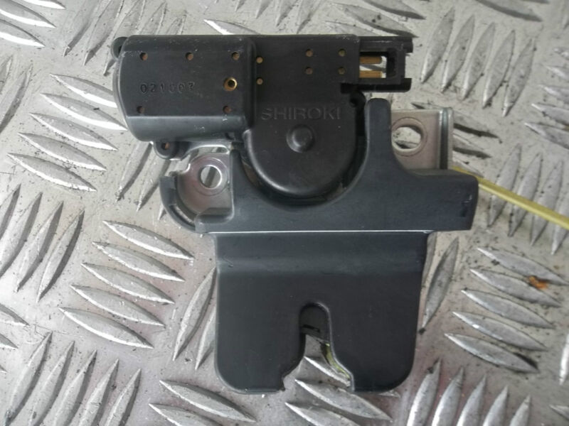 2002 LEXUS IS200 REAR BOOT CATCH TAIL GATE SHIROKI 021007