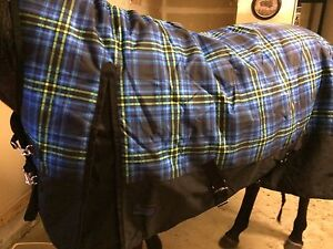 "84 "" Canadian horseware winter blanket"