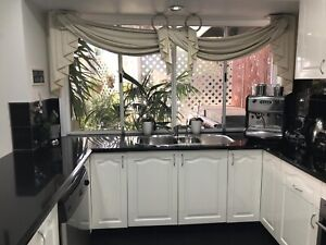 Second hand Kitchen with selected Appliances