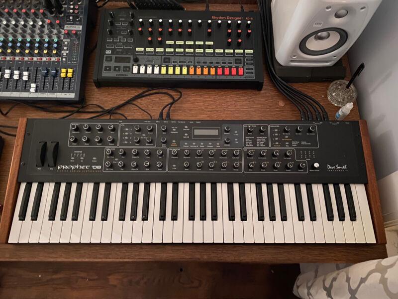 Dave Smith Instruments Prophet