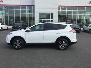 2018 Toyota RAV4 LE HEATED SEATS;BU CAMERA; BLUETOOTH