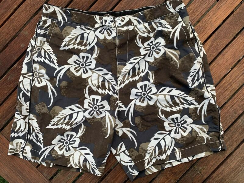 515029180f Mens Large TOMMY BAHAMA RELAX Swim Suit Trunks Board Shorts Black and White