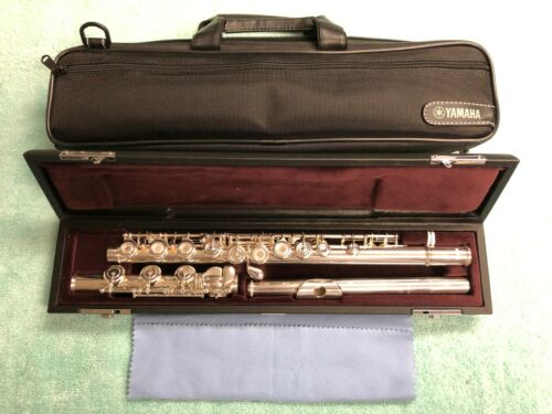 MINT Yamaha YFL-362H Intermediate Flute Silver Head Offset G B Foot