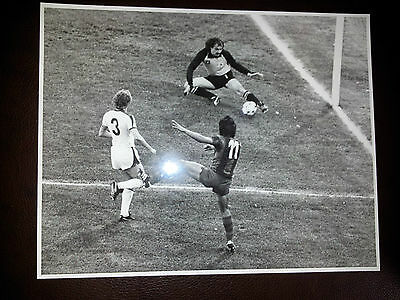 100% Org Press Photo-1979 ECWC FINAL: FORTUNA DUSELDORF v BARCELONA,Action Photo