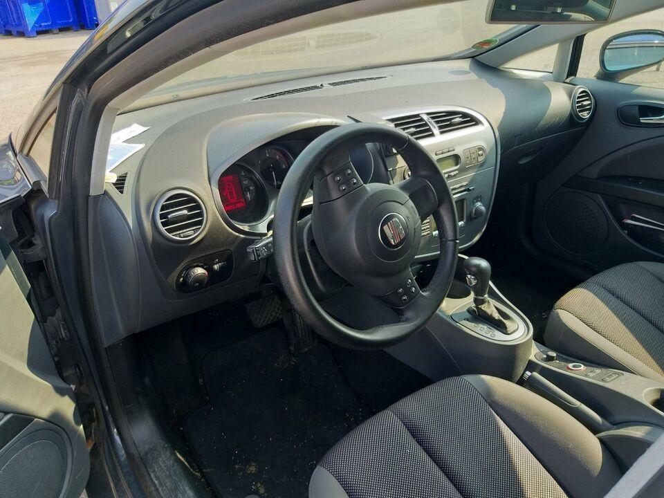 Schlachter Seat Leon Rücklicht Außenspiegel Wischermotor Spiegel in Schwabmünchen