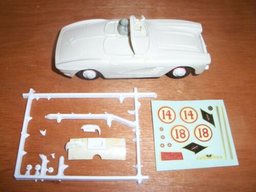 VINTAGE GILBERT AUTO RAMA 1/32 SCALE WHITE CORVETTE SLOT CAR PARTS & DECAL SHEET