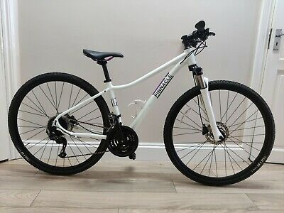 Pinnacle Cobalt 2 2020 Women's Hybrid Bike - White. Hydraulic Brakes