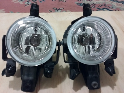 Pajero OEM Fog Lights with brackets and wiring loom
