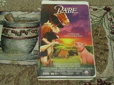 UNIVERSAL HOME VIDEO~BABE~A LITTLE PIG GOES A LONG WAY~VHS~TESTED~JAMES CROMWELL