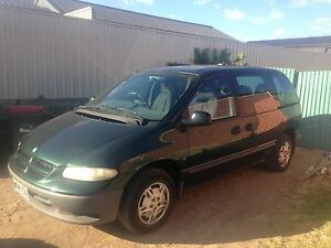 CHRYSLER Voyager SE automatic 7 Seater $2,700 Mannum Mid Murray Preview