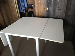 Table de cuisine en mélamine blanche à panneaux abaissables