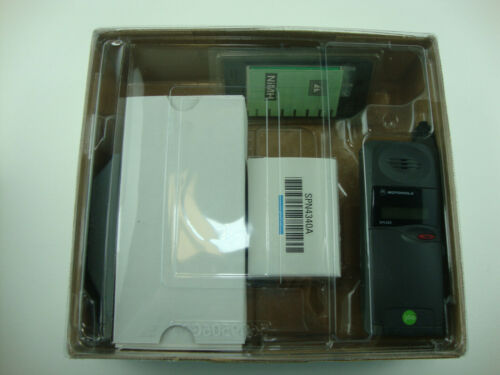 Motorola MicroTAC DPC650 1995 Original Flip Mobile Cell Phone + Accessories