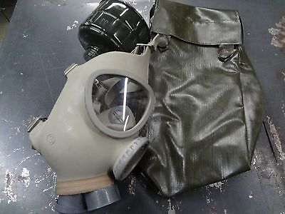 Military Surplus Gas Mask Officer's W Filter & Bag Prepper Survival Smoke Paint