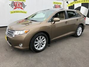 2009 Toyota Venza Automatic, Leather, Sunroof, AWD
