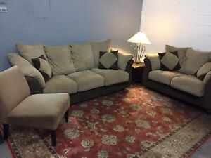 Free delivery: 3 piece suede couch set