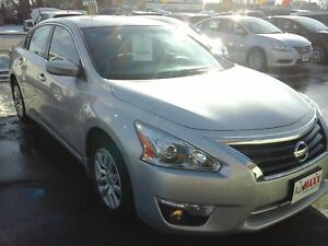 2015 NISSAN ALTIMA 2.5- REAR VIEW CAMERA, BLUETOOTH, SATELLITE R