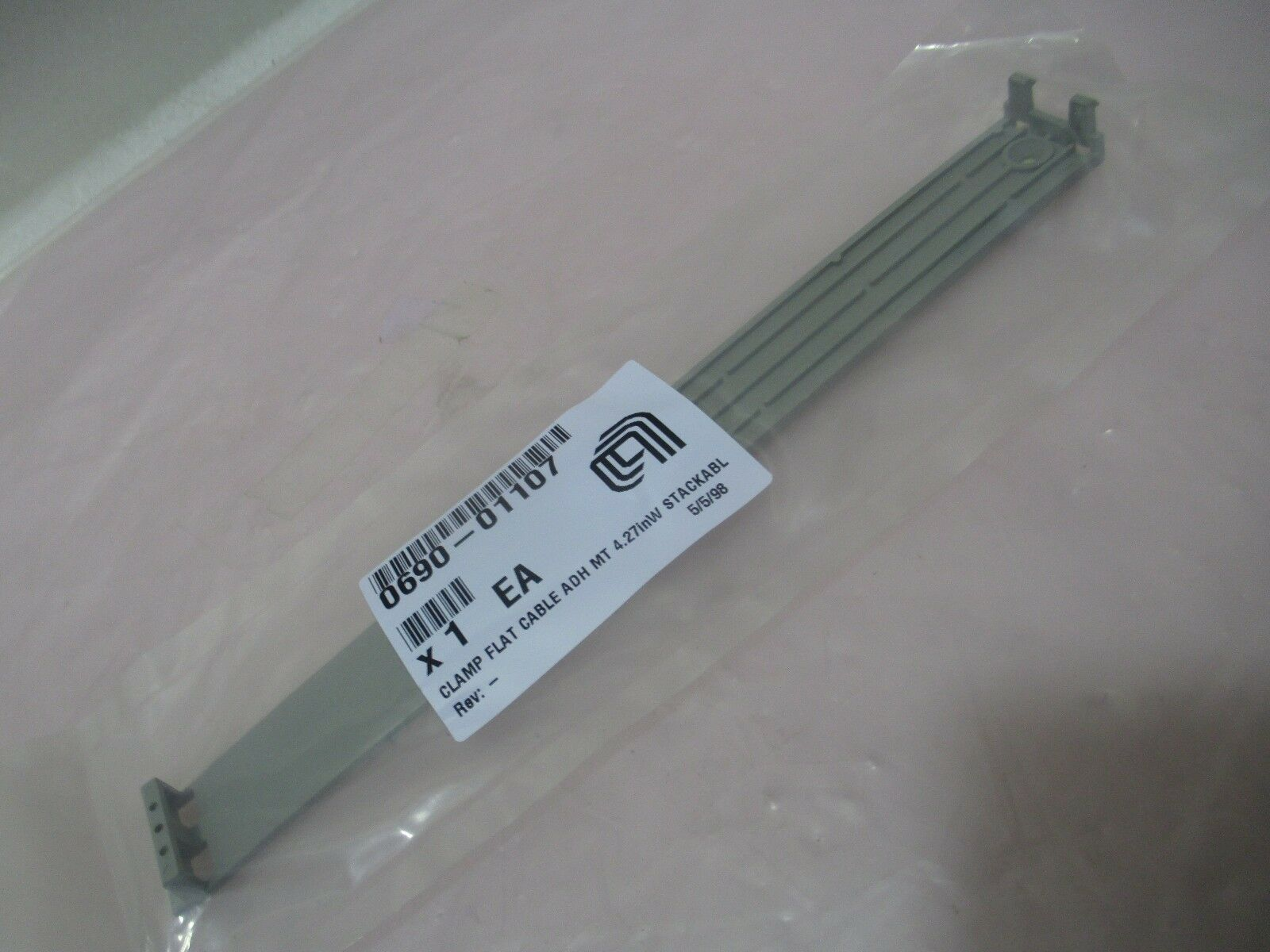 AMAT 0690-01107 Clamp Flat Cable ADH MT 4.27in W Stackable, 421631