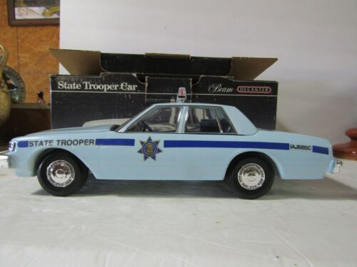 Jim Beam Police State Patrol Car Decanter IAJBBSC Special Blue Car