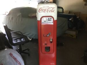 Coke Machine (1956-59 Veda 44).