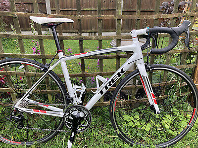 Trek Madone 2.1 Aluminium Road Bike Shimano 105 groupset. 52cm. Great