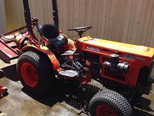 Kubota B7100 HST 4WD Tractor, slasher mid mount deck Sunshine Brimbank Area Preview