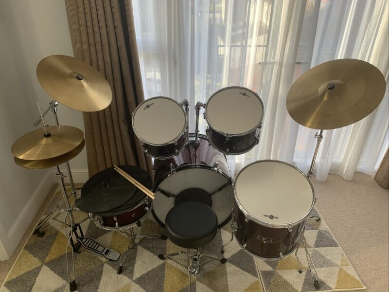 BDK-5 Full Size Drum Kit & Practice Pack Pads by Gear4music Wine Red RRP £379