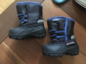 Winter boots - size 3