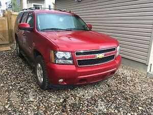 Loaded Chevy Tahoe LT new tires heated leather