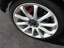 PDW WHITE WHEELS red in line trim Madeley Wanneroo Area Preview
