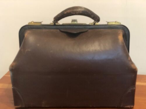 Beautiful Antique Brown Leather Doctor's Bag