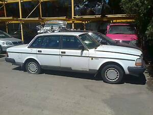 Wrecking Volvo 240 sedan Castle Hill The Hills District Preview