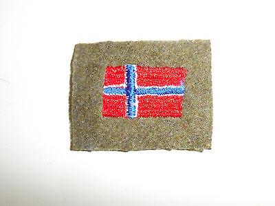 b5287 WW 2 Norway Army Arm Shield Norwegian Flag on OD Green C10A9