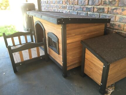 Large dog house with patio, storage box and water bowl holder Petrie Pine Rivers Area Preview