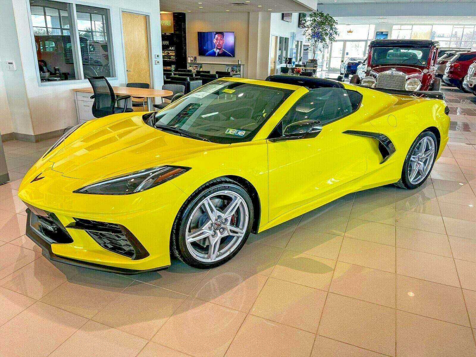 2021 C8 Chevrolet Corvette Stingray Coupe 3LT in Accelerate Yellow