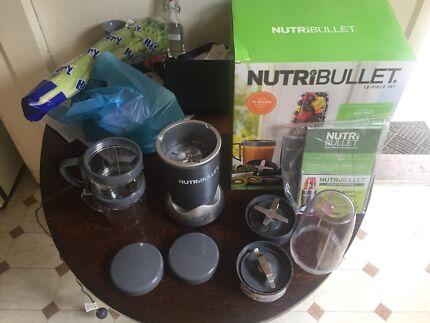 NutriBullet Smoothie Maker - Only 5 month old
