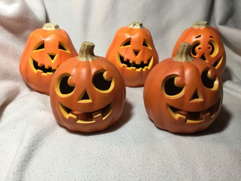 Lot of 5 Mini 1998 Paper Magic Group/Seasons Halloween Lighted Pumpkins